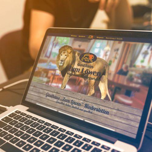 Website Mockup Laptop Gasthaus zum Löwen Niederstetten